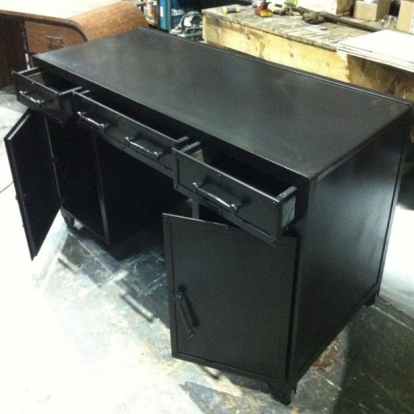 лофт письменный стол из металла