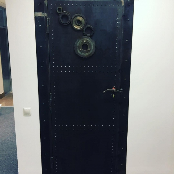 Входные двери в стиле лофт 01