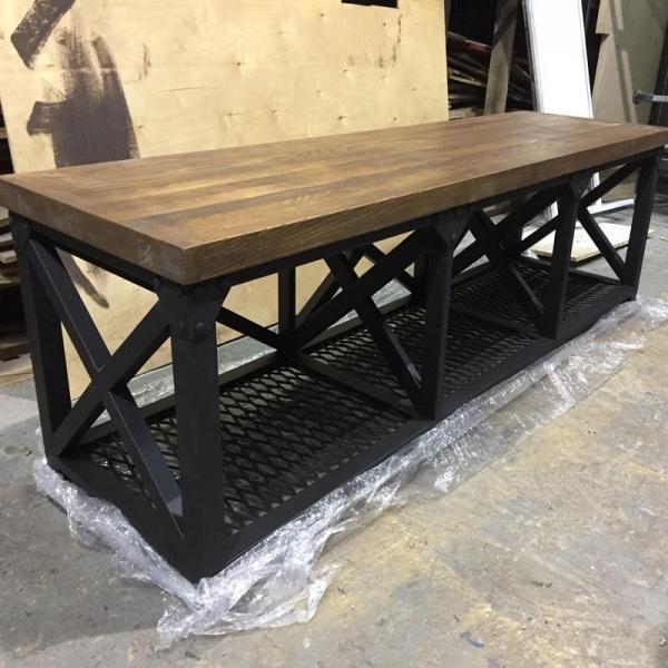 Стол лофт для дров из дубового щита